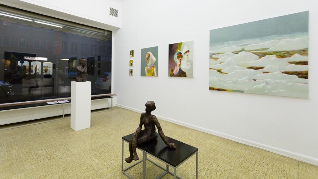 Sitzende, Wolkenfeld I, Begegnung, Frau mit Tuch, drei kleine Portraits